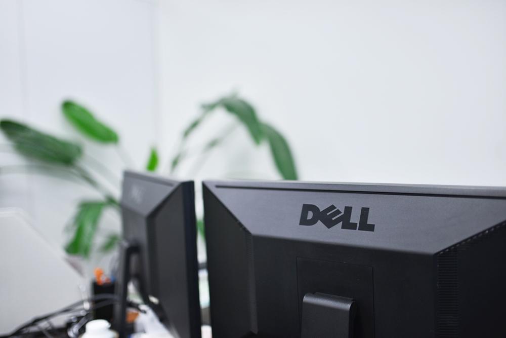 ネクストレベルは、全てデュアルモニター!作業効率が高まります。