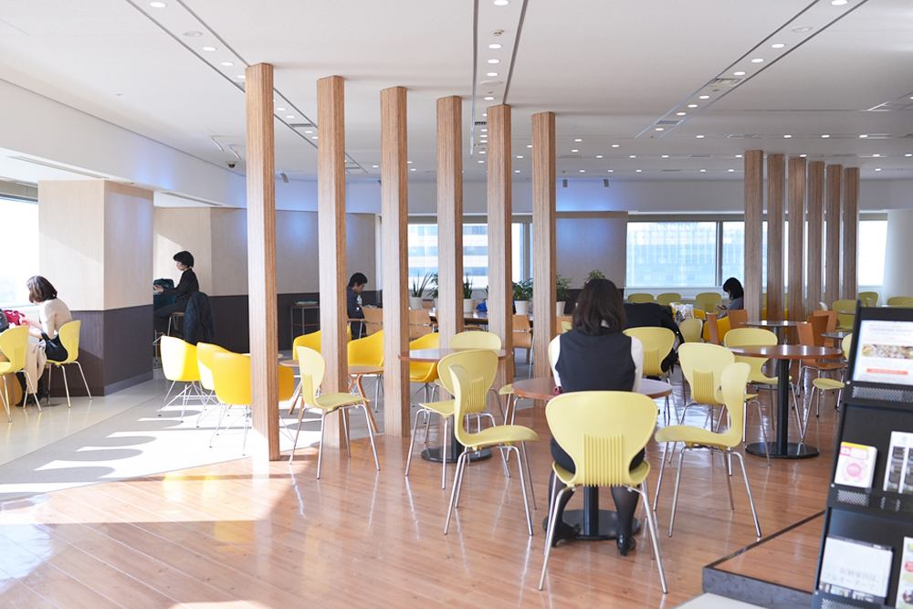 25Fには、ランドマークの従業者専用スペースがあります。最高の景色と一緒にランチを楽しむことも♪